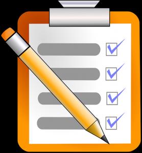 Checkliste mit ebgehakten Punkten.
